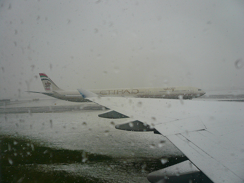 2401175739_804701325f_snowed-in-runway