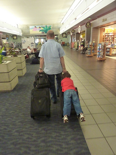 kids airport photo