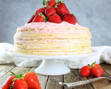 630 Strawberry Lemon Creme Crepe Cake cake berries napkin 3