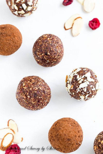 Almond Chocolate Energy Balls-2