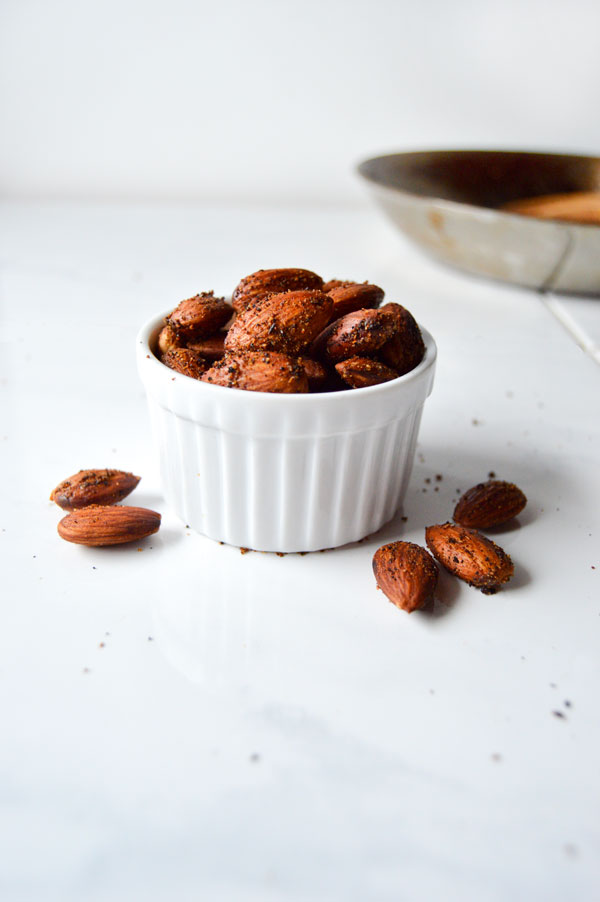 spicy 5 minute roasted almonds