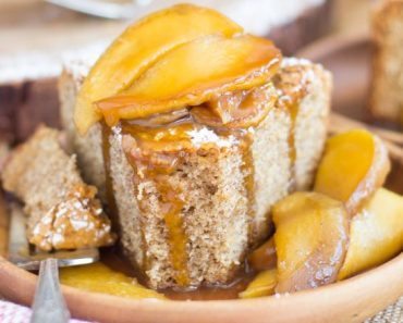 apple-spiced-olive-oil-cake-with-caramelized-apples-small-2