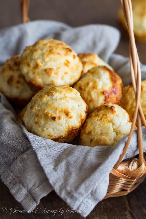 Cheesy Garlic Biscuits-2