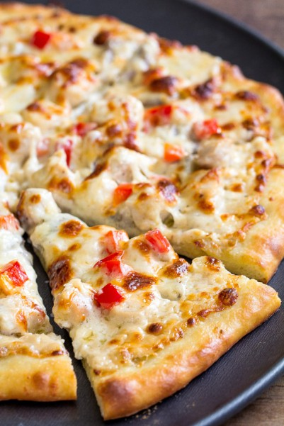 Chicken Alfredo Pizza-3