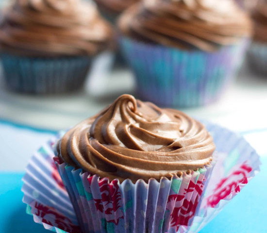 Chocolate-Cupcakes-with-Chocolate-Cream-Cheese-Frosting1-550x480