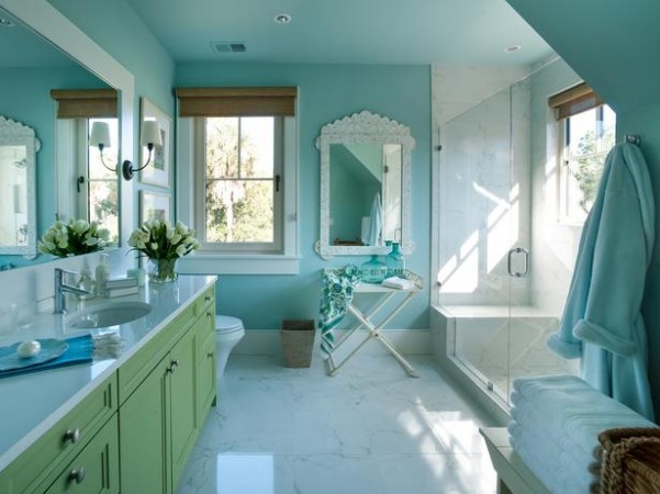 DH2013_Twin-Suite-Bathroom-01-Kids-Bathroom-FINAL_s4x3_lg-1