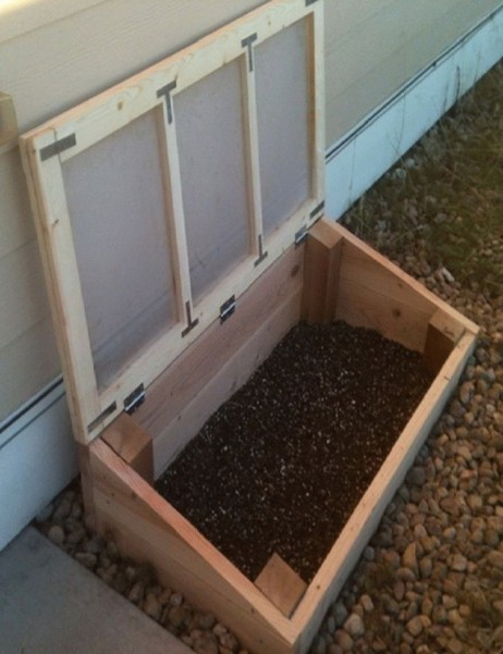 DIY-Cold-Frame-Greenhouse-Garden-Box