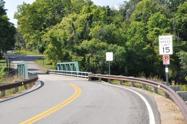 One lane bridge to Grey Cloud Island