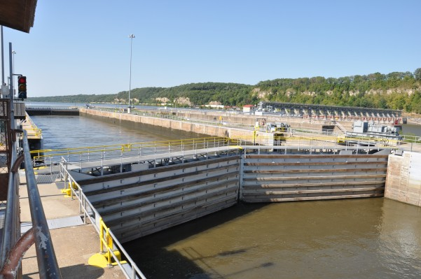 Large lock that makes commercial traffic possible