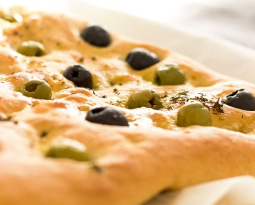 Focaccia-Bread-with-Olives-&-Thyme