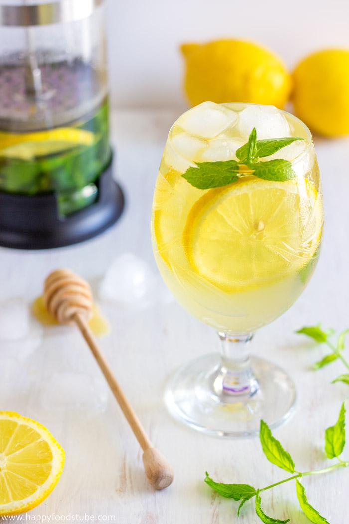 Fresh-Mint-&-Lemon-Iced-Tea-Recipe