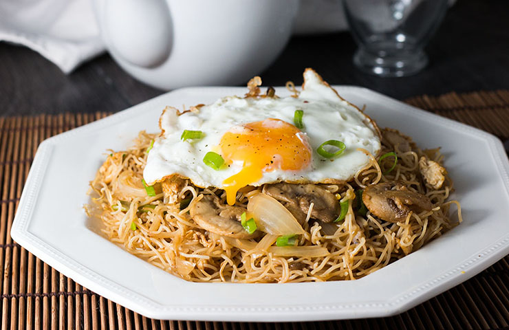 Fried-egg-noodles-feature