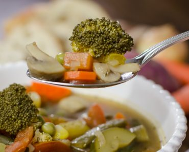 Hearty-Healthy-Vegetable-Soup-9156