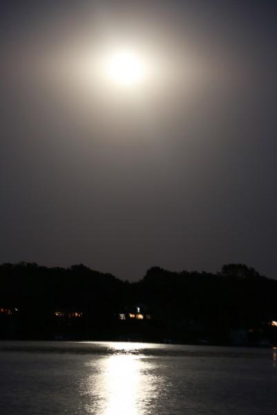 full moon rising in Minnesota