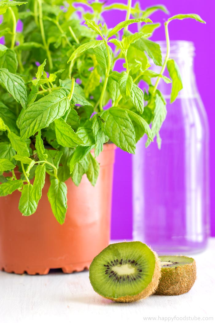 Kiwi-and-Mint-Infused-Water-Recipe-1