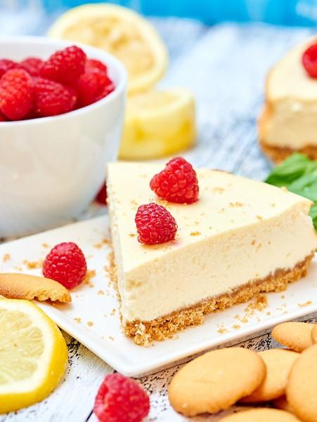 Light-Greek-Yogurt-Cream-Cheese-Cheesecake-Final2
