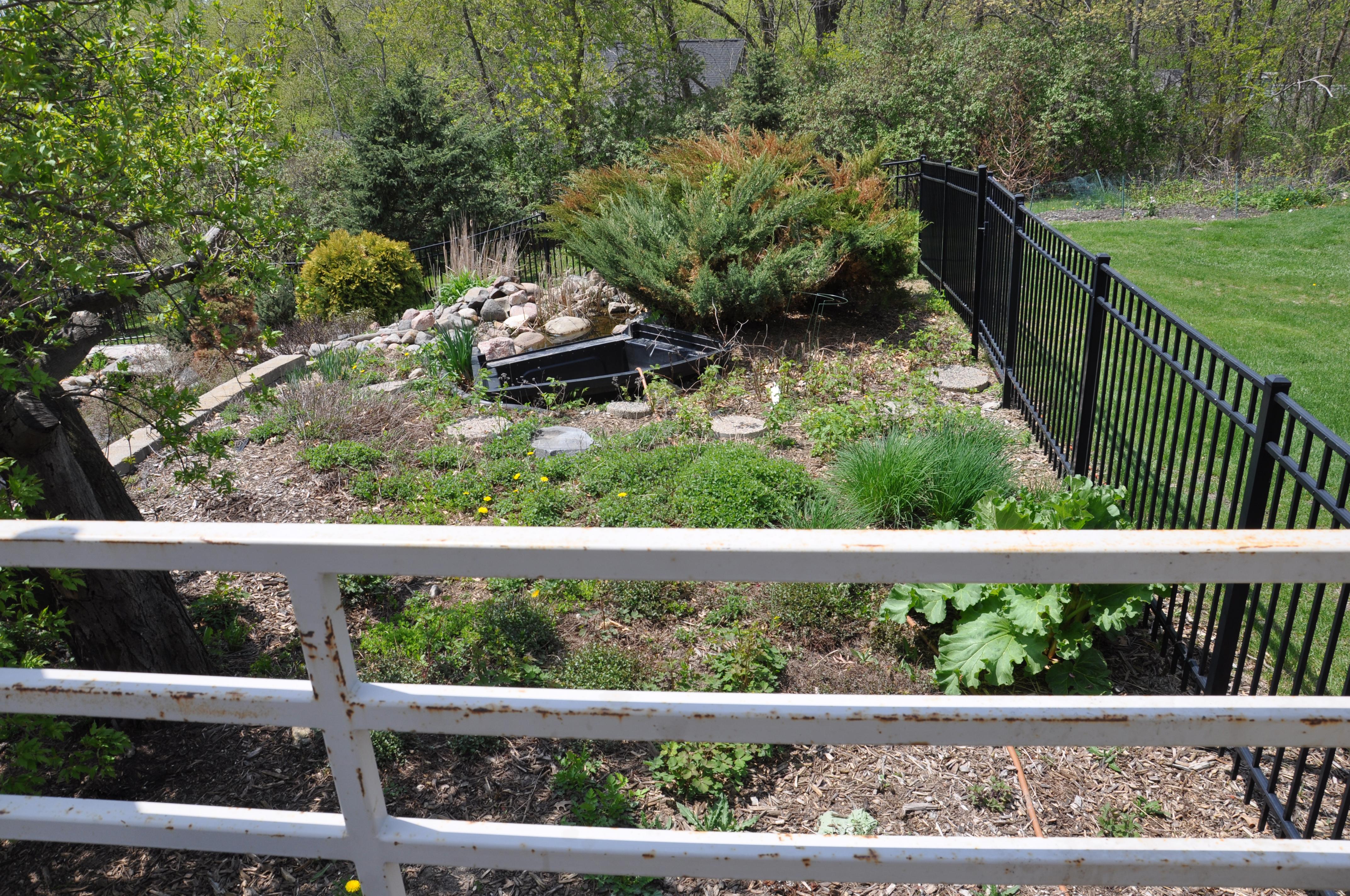 Kitchen Garden Fence Wasted Space To Kitchen Garden Dan330