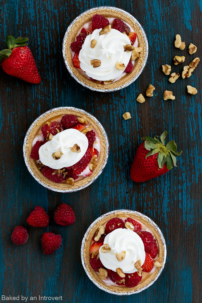 Mini Berry Cheesecake Pies_680-2
