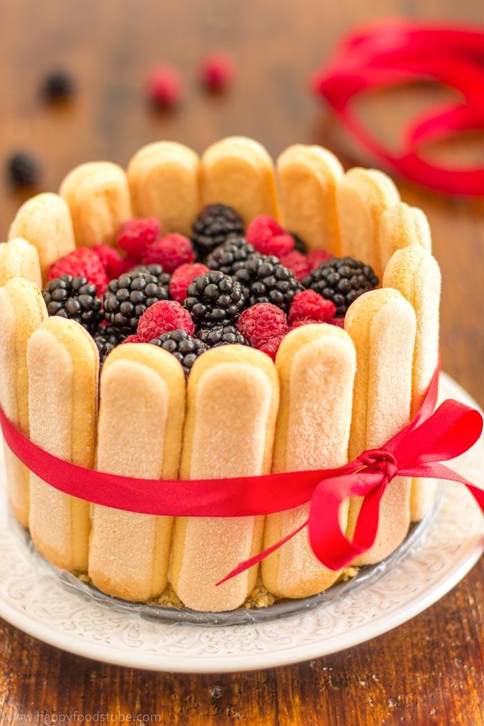 mixed-berry-charlotte-cake-recipe