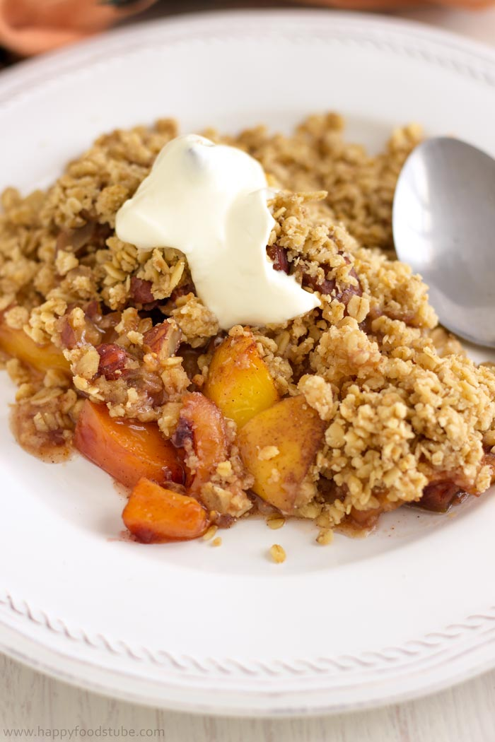 No-Fuss-Mixed-Fruit-Crisp-with-Hazelnuts-Dessert