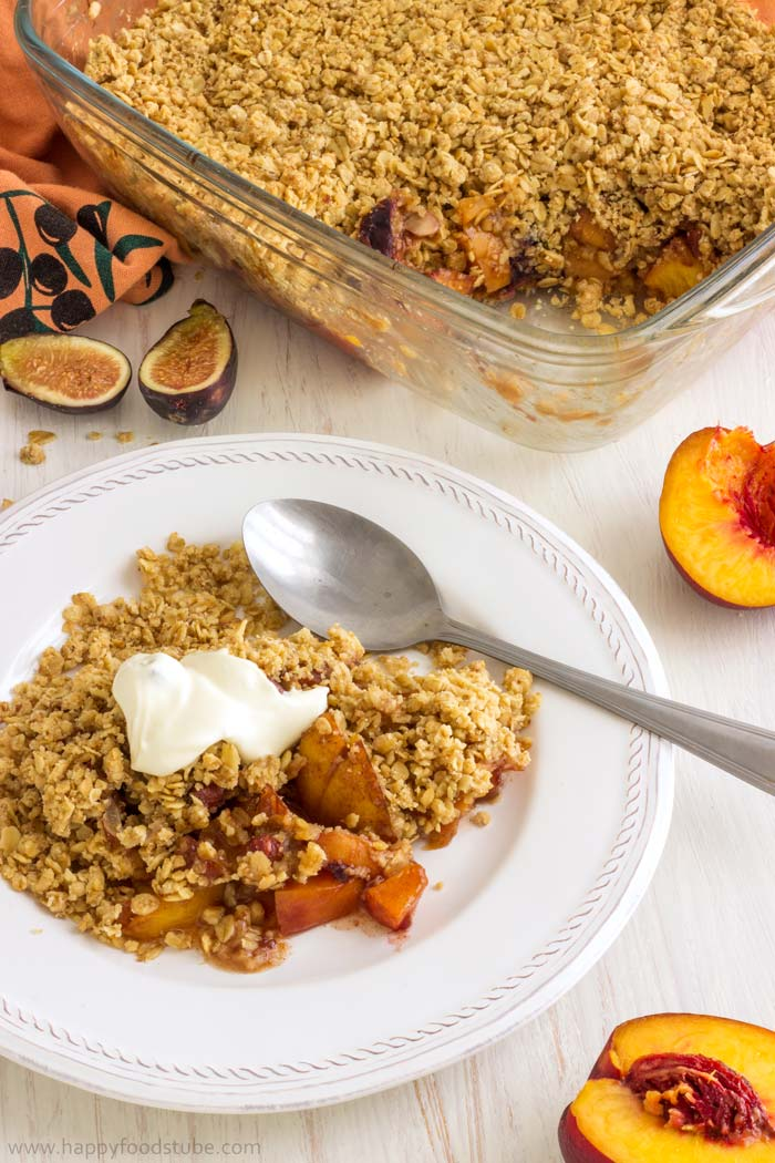 No-Fuss-Mixed-Fruit-Crisp-with-Hazelnuts