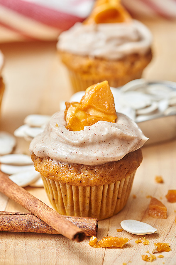Pumpkin Cupcakes with Cinnamon Cream Cheese Frosting and Pumpkin Seed ...