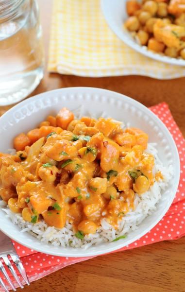 Red-Curry-Thai-Chickpea-Sweet-Potato-Cauliflower-Vegan-Coconut-Milk-Rice-Easy-Quick-The-Miniature-Moose-3