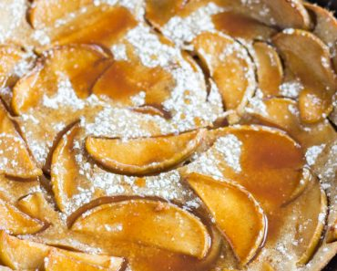 salted-caramel-apple-dutch-baby-with-apple-cider-syrup-9