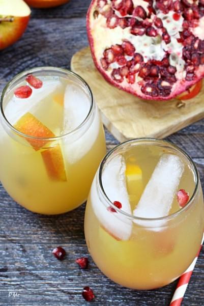 Sparkling Pomegranate Fruit Sangria 1