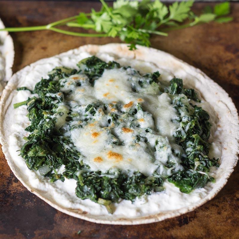 spinach-ricotta-pizzas