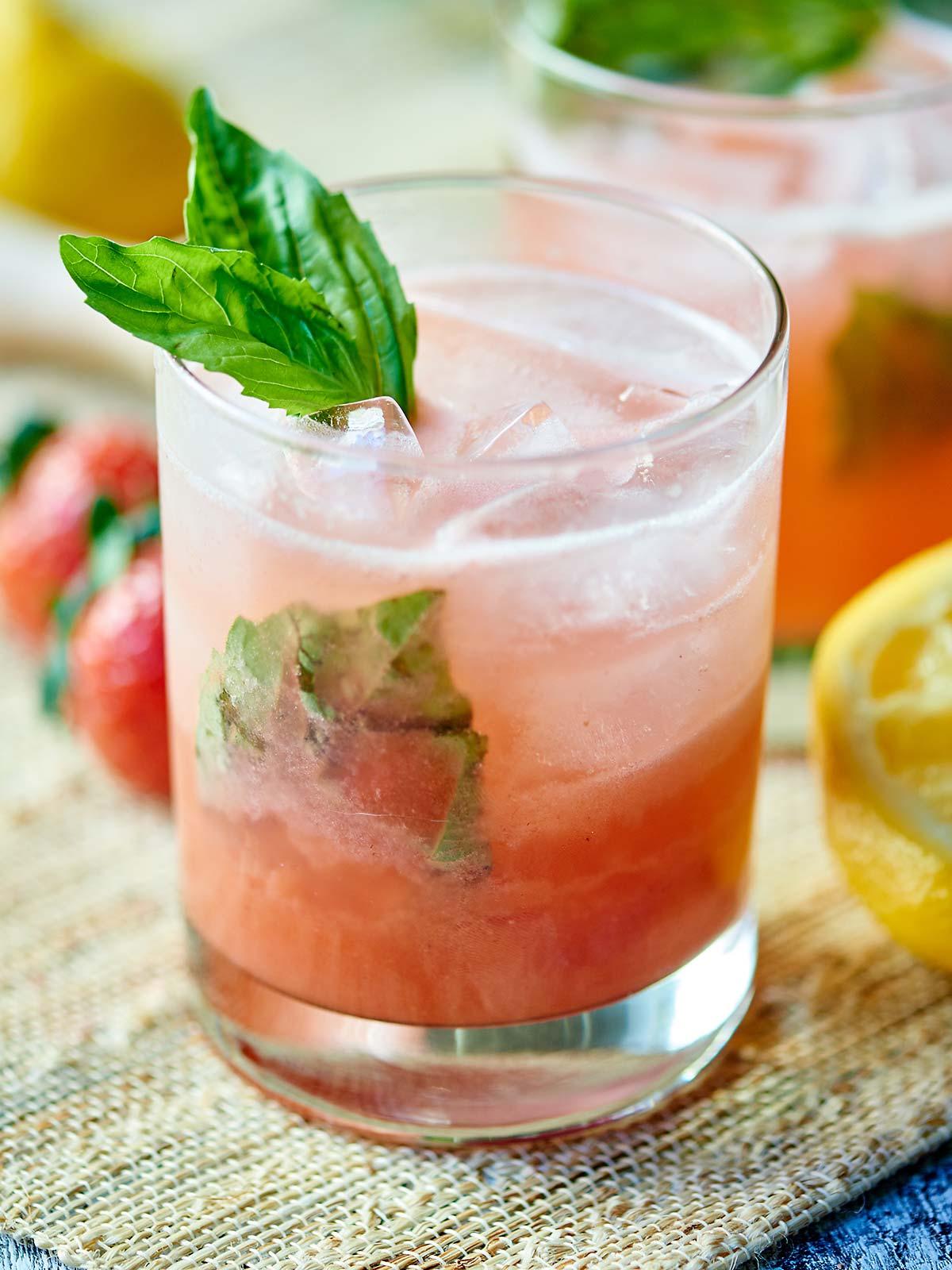 Strawberry Basil Gin Cocktail Dan330