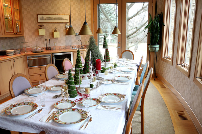 DIY Christmas Tree Tablescape