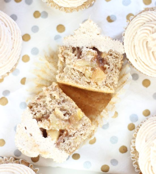 apple pie cupcakes with snickerdoodle frosting 26