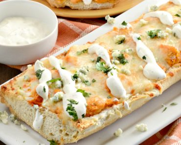 buffalo-french-bread-pizza-plated