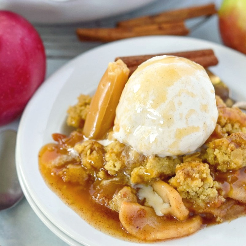 caramel-apple-crisp-square