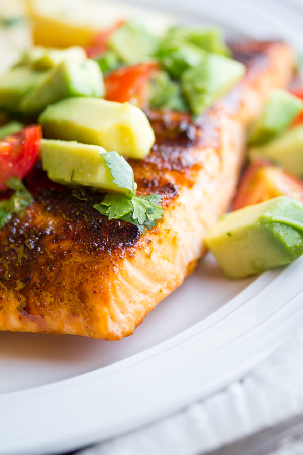 chili-rubbed-salmon-with-avocado-salsa-8
