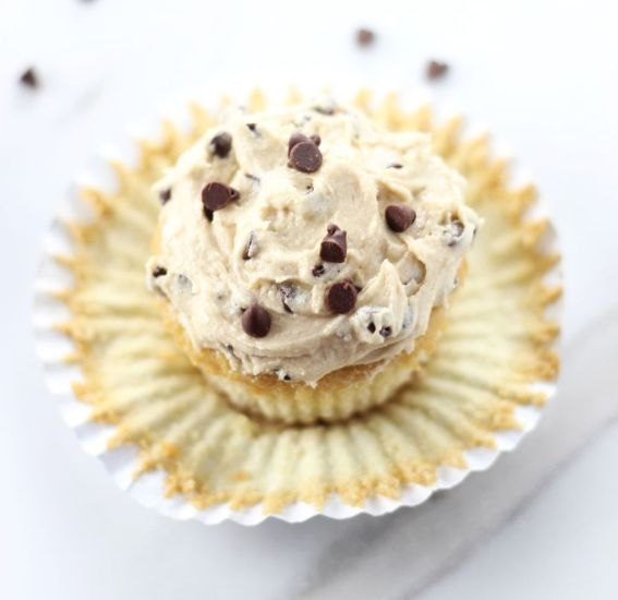 chocolate chip cookie dough cupcakes 17