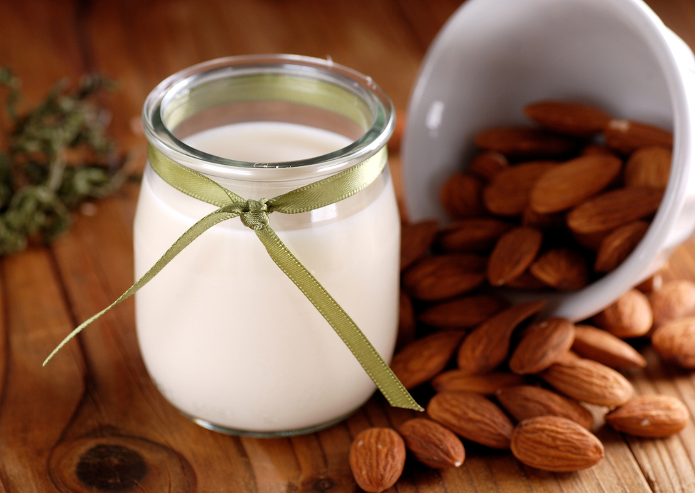 Components That Are Used For Making Cold Pressed Almond Milk