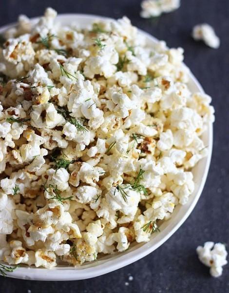 dill garlic parmesan popcorn 3