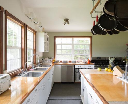 kitchen-working-web1-495x400