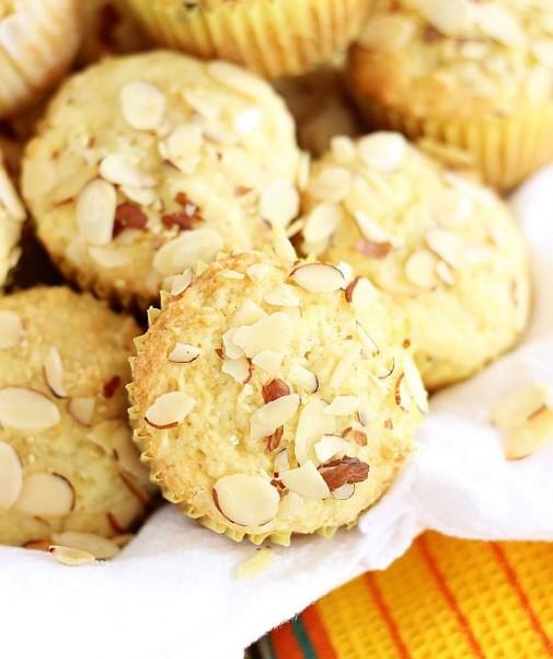 lemon almond ricotta muffins 7