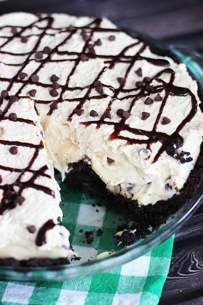 no bake bailey's cheesecake with bailey's coffee whipped cream 21