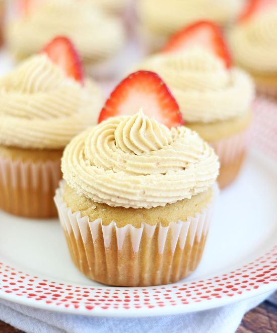 peanut butter & jelly cupcakes 17