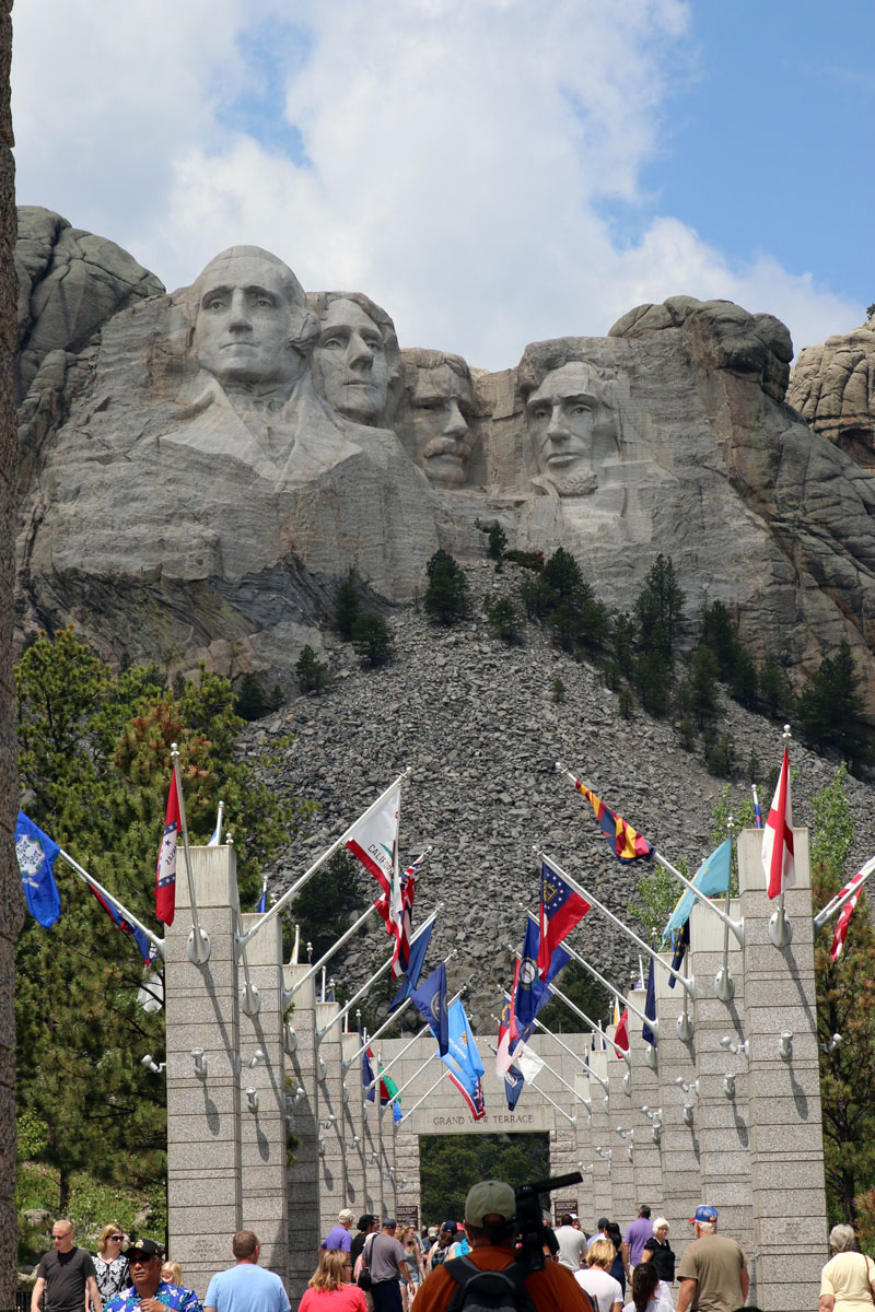 rushmore-flags