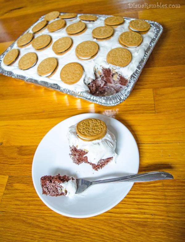 smore-marshmallow-poke-cake-recipe