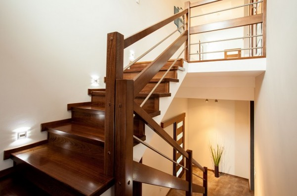 Give Your Home Look Gorgeous With The Wooden Staircase – Dan330